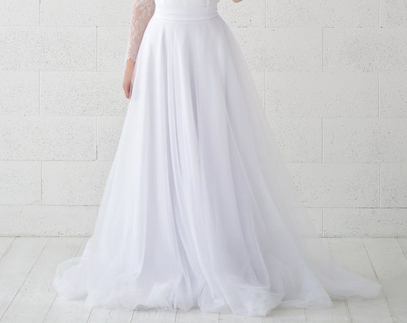 Yona - very slim and flat tulle wedding skirt for brides with a small train