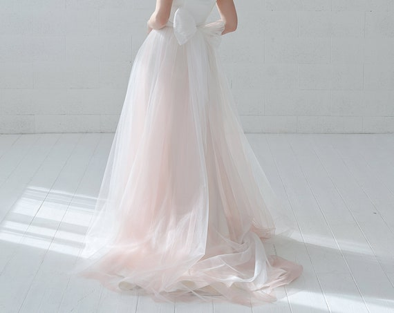 Fiona - detachable tulle overskirt skirt with a bow in the back
