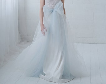 Elle - detachable tulle overskirt skirt with a bow and front slit / easily detachable bridal over skirt / removable tulle train