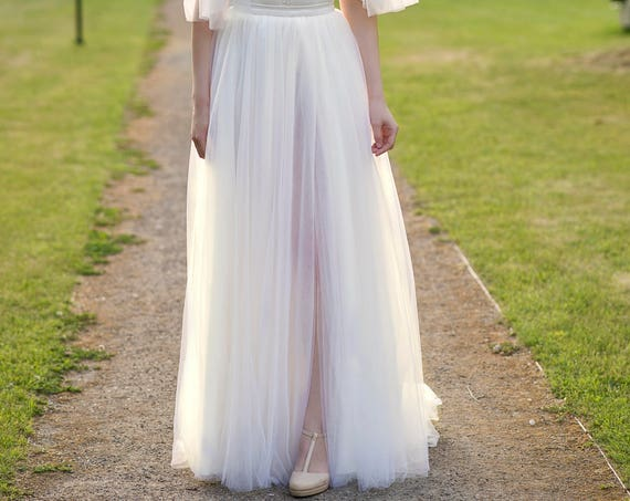 Grace - bridal skirt with a slit