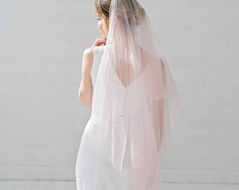 Leah - drop bridal veil with dip dyed tips