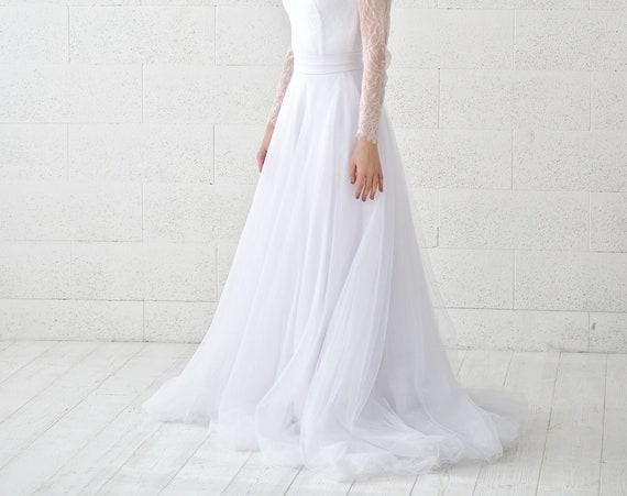 READY TO SHIP: size 2 slim and flat tulle skirt / pure white bridal skirt / white wedding tulle skirt / slim tulle skirt / a line skirt