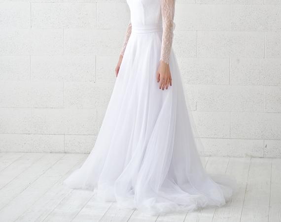 READY TO SHIP: size 2 slim and flat tulle skirt / pure white bridal skirt / white wedding tulle skirt / slim tulle skirt / a line skirt