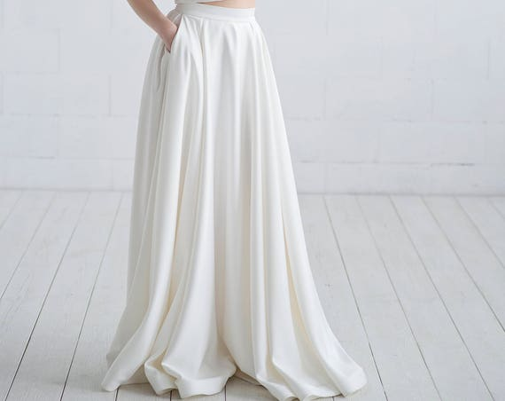 Aiko - satin bridal skirt with pockets