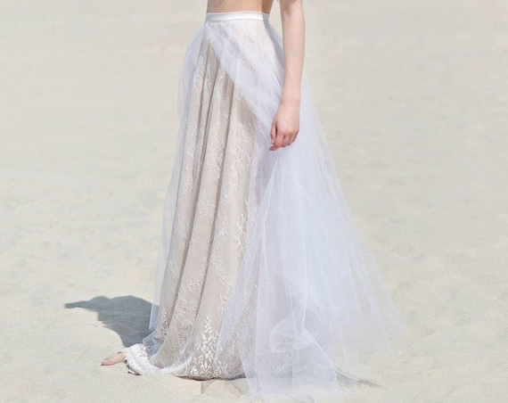 READY TO SHIP: lace skirt / us size 2 / lace and tulle skirt / beach bridal skirt / boho bridal skirt / bohemian wedding separates