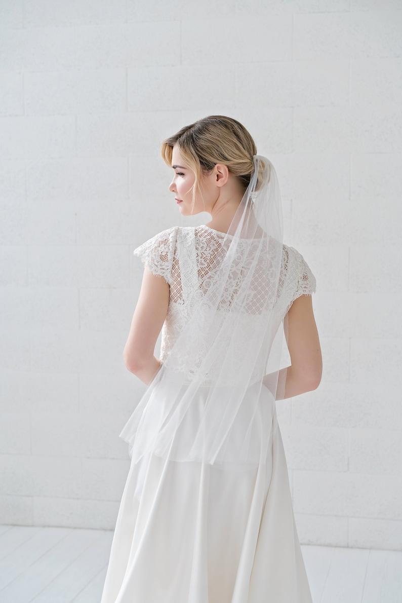 Jean  minimalist single tier narrow veil / elbow fingertip image 0