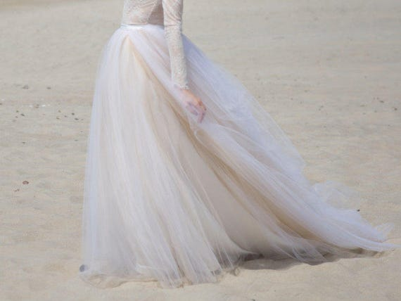 Zephyra - bridal tulle skirt with a long train