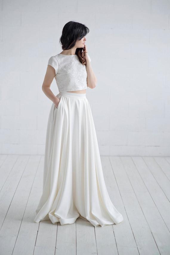 Aiko - satin bridal skirt with pockets