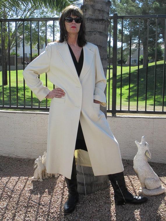 Vintage  Fleurette of California cream long coat