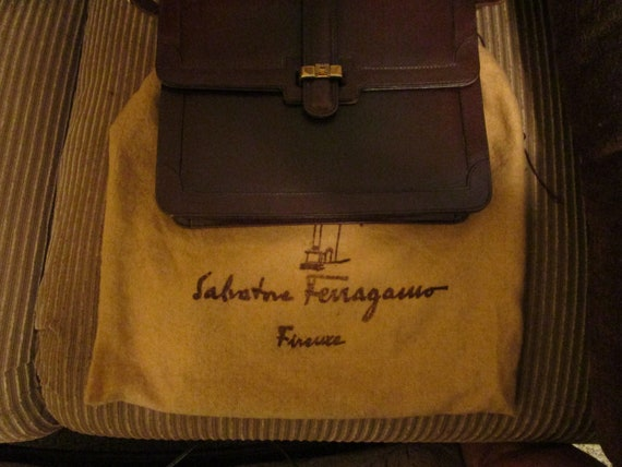 5723c7d42b8 Nice vintage Salvatore Ferragamo Brown leather handbag   Etsy