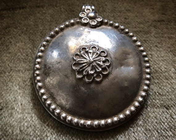 Antique RAJASTHANI Flower silver pendant