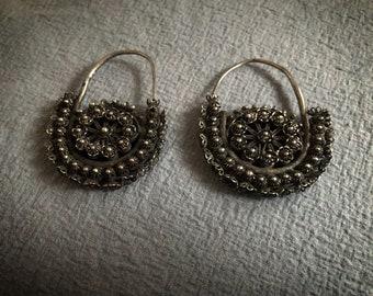 Beautiful VINTAGE Earrings from Rajasthan