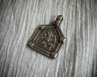 Antique HANUMAN Hindu Monkey God Silver amulet