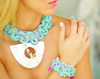 Beaded Shell Necklace, Aqua Bracelet,  Mother of Pearl Necklace, Shell Pendant, Unique Jewelry, Beach Jewelry, Turquoise Miami Sunset 1616NB