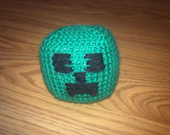 Amigurumi Mine Craft Creeper Plush Toy