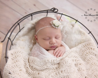 Crocheted baby blanket - photo prop baby - baby wrap - photo decoration - newborn - photo layer