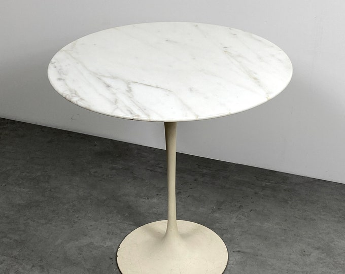 Vintage Eero Saarinen Knoll Marble Tulip Side Table 1960s