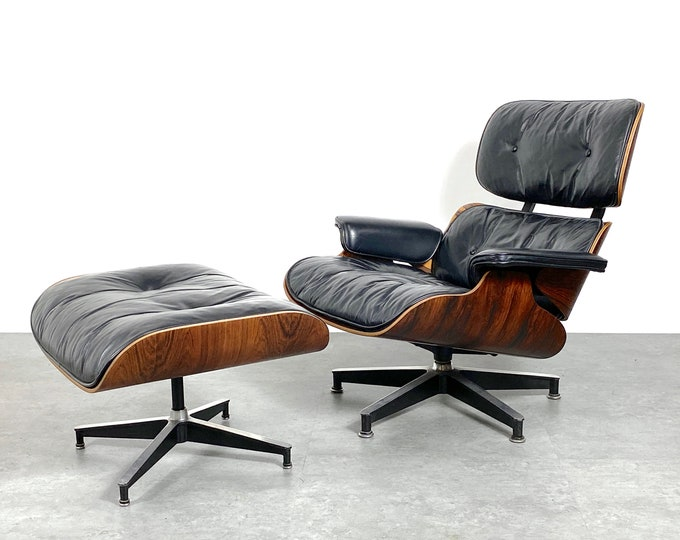 1960s Vintage Eames Lounge Chair and Ottoman Rosewood Black Leather Herman Miller