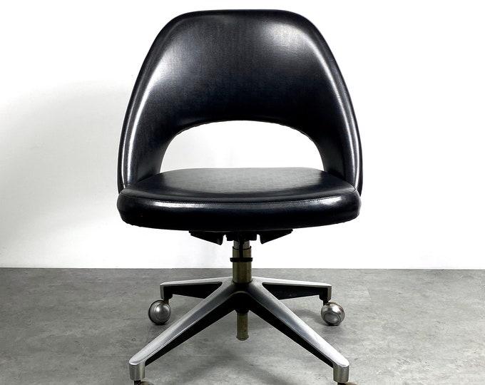Vintage Eero Saarinen Knoll Executive Swivel Office Chair 1950s