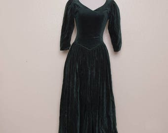 Vintage Laura Ashley Green Velvet Victorian Full Skirt Dress Size UK 8 US 6