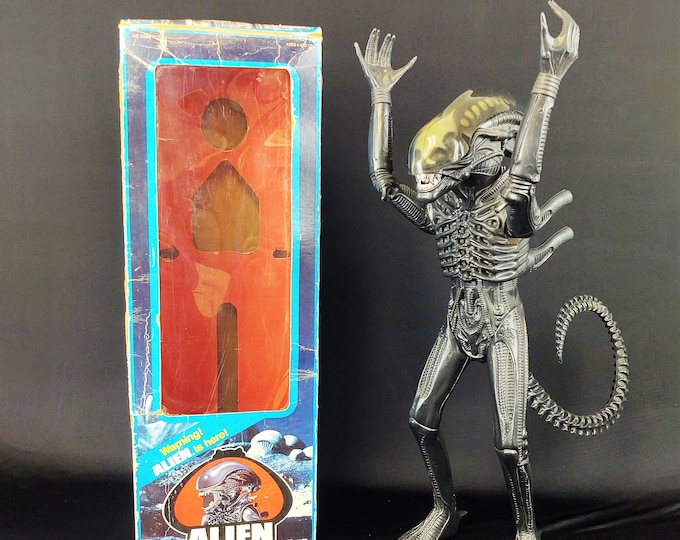 """Featured listing image: Vintage 1979 Kenner Alien Xenomorph Big Chap, Complete in Box W/Original Insert, Dome, Jaws, Excellent, Rare """"Hideous Plastic"""""""
