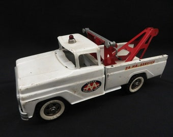 Vintage Tonka AA 24 Hour Service Wrecker Red and White, Whitewalls