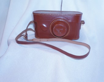 """Vintage Argus C3 35mm camera with beautiful leather case """"the brick!"""""""
