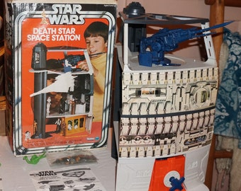 Kenner 1978 Star Wars Death Star Space Station Playset, Complete