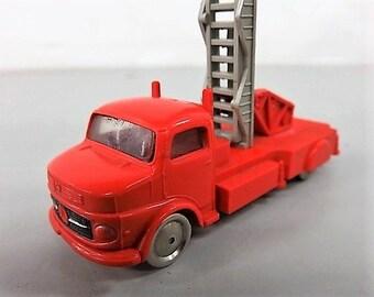 Vintage 1950s LEGO Die Cast Scale Ladder Fire Truck
