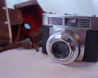 1960'S Zeiss Ikon Contessa LK camera with Tessar 50MM lens