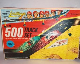 Thrills ahead!  Vintage 1960s Johnny Lightning L.M. 500 Track Set Complete IOB with Correct Original 2 Cars