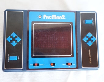 1981 Vintage PacMan 2 handheld game, Entex Electronics, great shape and working order!