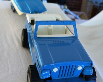 Vintage Tonka Jeepster With Runabout and Trailer, Blue and White