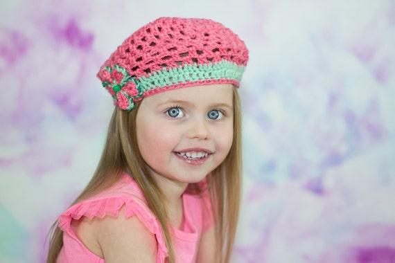 Jeune fille Beret au Crochet chapeau enfant tricoté fraise   Etsy 76fca9f7e39