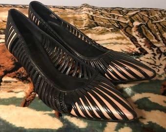Vintage Gucci Kitten Heels. Black Leather Pumps. Size 37 1/2. Size 7.