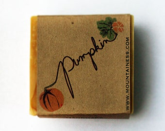 Pumpkin soap / fall gift / organic pumpkin soap / orange fall / orange pumpkin / small gift / pumpkin puree / organic fall orange soap gift