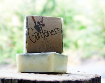 gardeners herbal soap all natural soap hand crafted activated charcoal homemade soap green black / maine / soap