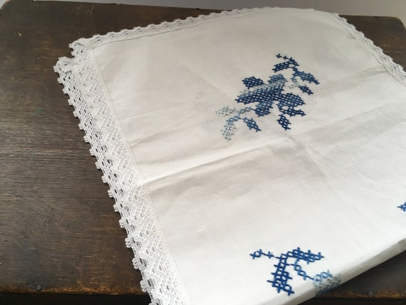 Antique embroidered napkin table napkin with lace trim Shabby white blue table napkin Cottage chic table napkin