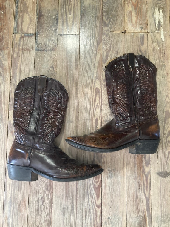 Men's vintage embroidered cowboy boots 1990s