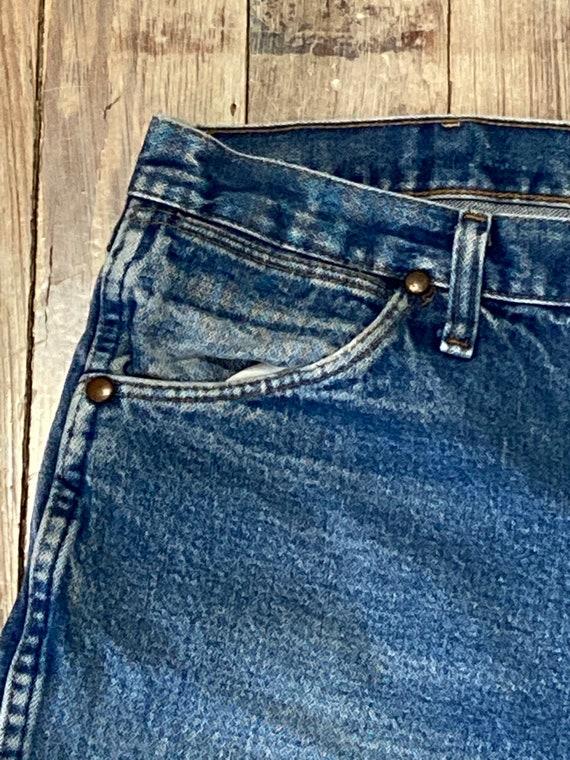 Distressed wrangler jeans - image 5