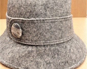 Kate Landry Vintage 50's Gray Wool Hat, Bucket 1920's Inspired with VTG Button, Mint Condition, standard