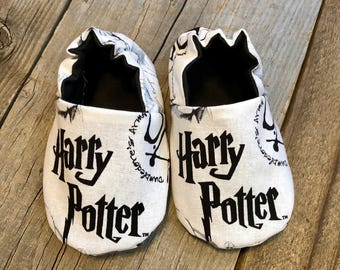 Harry Potter booties, harry potter baby booties, harry potter baby shoes