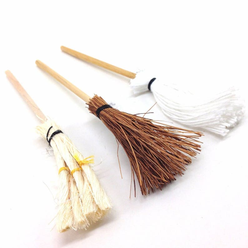 0e68e28611d9be Miniature Mops and Broom Set of 3 for 1 12 Dollhouse   Diorama