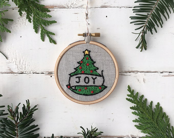 Christmas embroidery kit, JOY ornament Embroidery Kit, DIY Christmas Keepsake Ornament, Beginner Embroidery home craft Kit, Ornament Gift