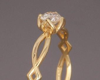 18K Gold Eternity Diamond Engagement Ring | Handmade solid 18k gold engagement ring set with a Brilliant Diamond