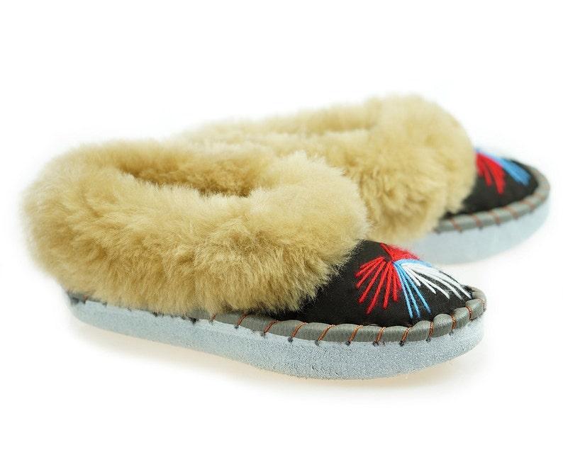 32de3ea54137d Leather SHEEPSKIN SLIPPERS Women Sheepskin Moccasins womens 100% Wool  Slippers Handmade Moccasins Cool House Slippers Handmade bedroom