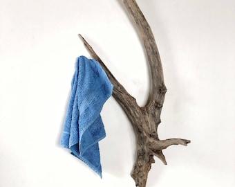 Handdoekenrek Badkamer Hout : Houten handdoekenrek houten rek badkamer hanger exclusieve etsy