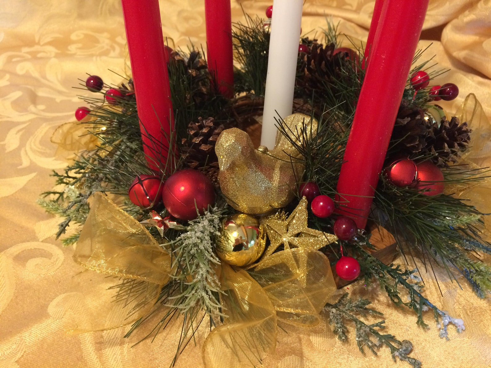 Bright Gold Dove and Stars Open Evergreen Advent Table Top Wreath and Solid Alder hardwood 5 Candle holder Classic Christmas RED and GOLD