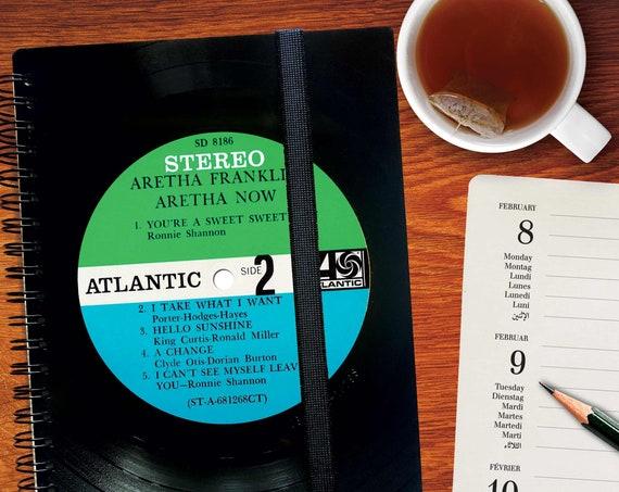 A5 Planer 2021 aus echtem Vinyl handgearbeitet | Wochenplaner | Musik Geschenk | Notizbuch kariertes Papier | Notenpapier | blanko Papier