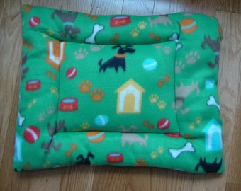 Dog House Puffy Pet Bed